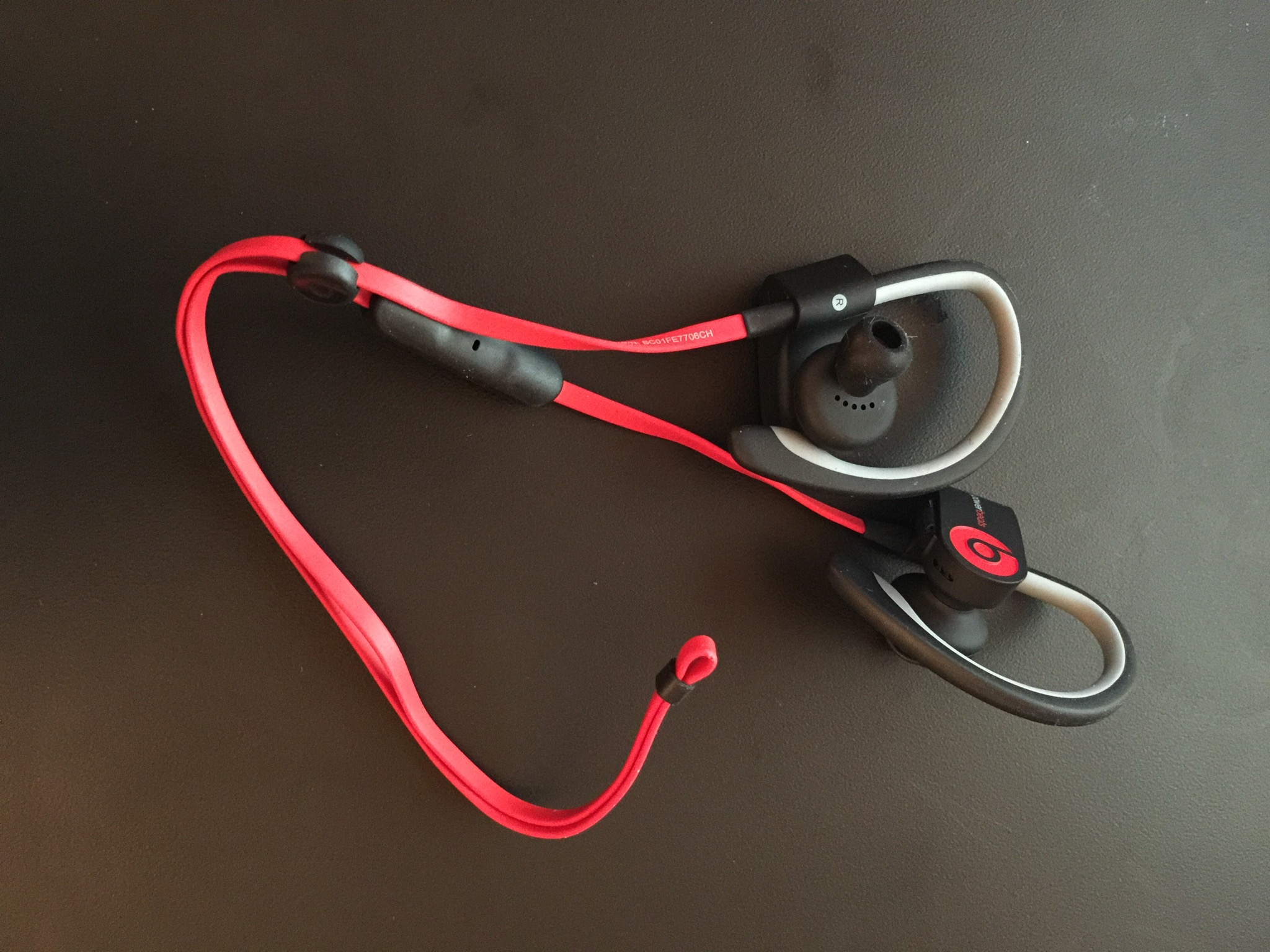 Powerbeats 2 Wireless earbuds
